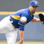 Kyle-Lohse-Brewers-ankle-injury-081614